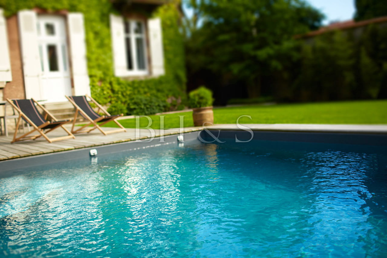 Building a swimming pool in Beaune - Architect