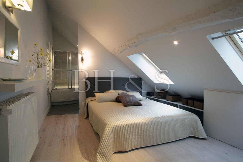 attic conversion decorating ideas - Décoration & Ameublement Restaurant Ermitage de Corton