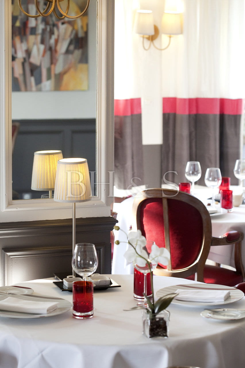 RENOVATION - GOURMET RESTAURANT NEAR BEAUNE
